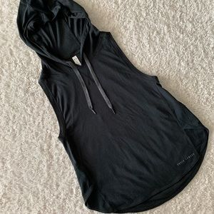 NWOT black under armour sleeveless workout hoodie